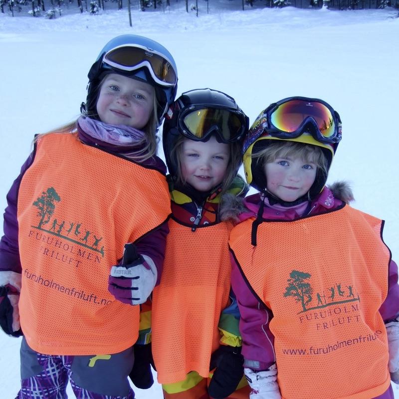 Tre barn på Slalåm 3 dager helgekurs barn startkurs
